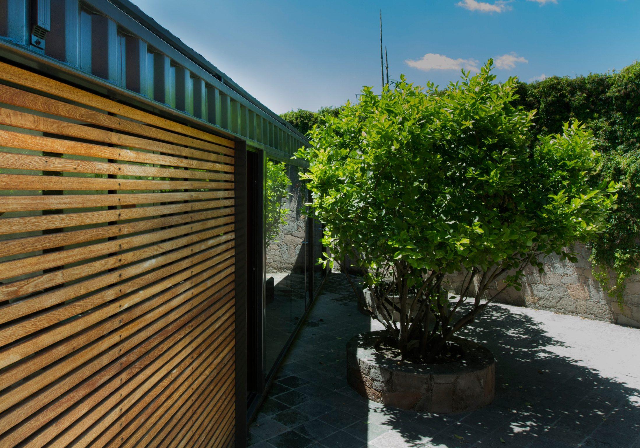Oficina modular fabricada con containers. Estilo moderno. Luís Miguel Rubín
